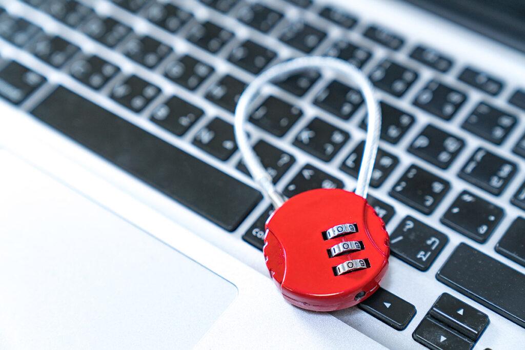 מנעול על מקלדת לאבטחת מידע לעסקים