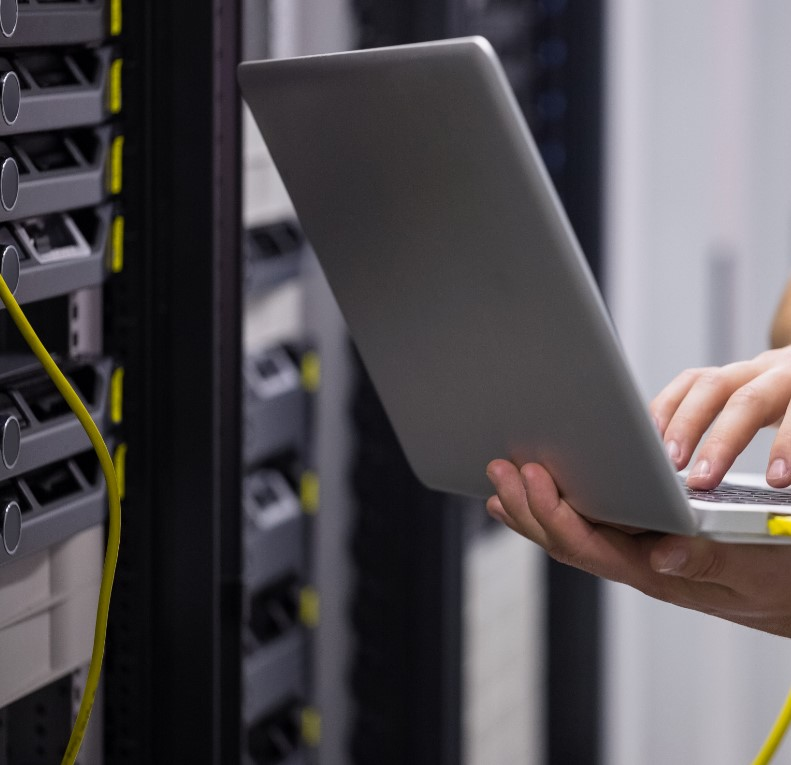 טכנאי רשתות של גלובל נטוורקס