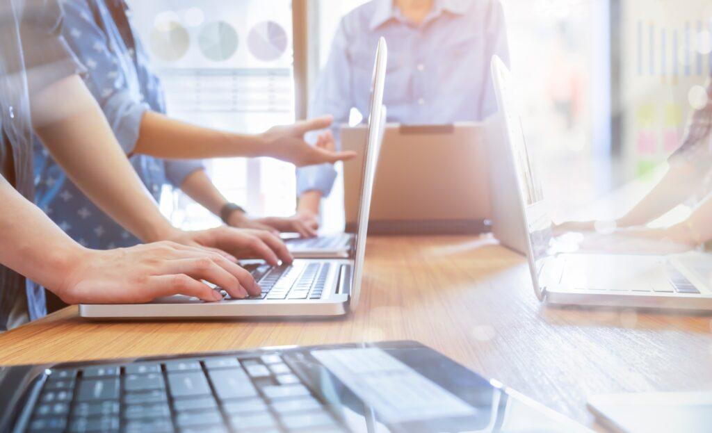 חברה המקבלת שירותי מחשוב לחברות הייטק ובתי תוכנה מחברת גלובל נטוורקס