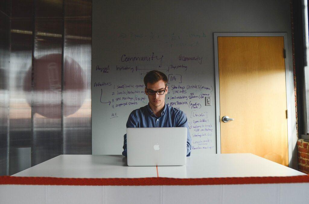 שירותי מחשוב לעסקים ולסטארט אפ